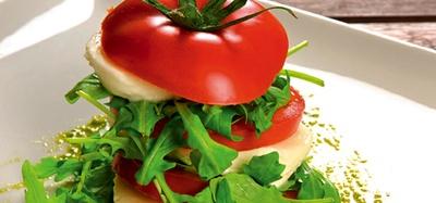tomaten-mit-mozzarella-und-rucola.jpg